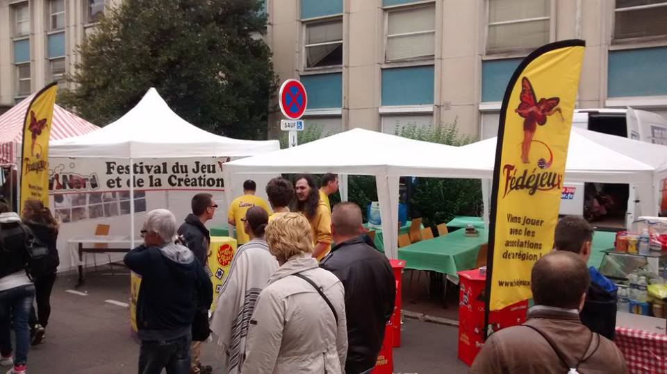 Notre Stand